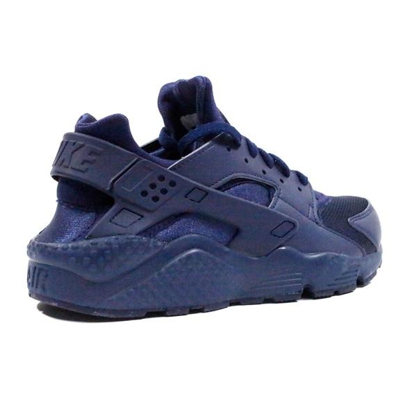on sale 3e83e 1eb01 Navy Blue Nike Huaraches